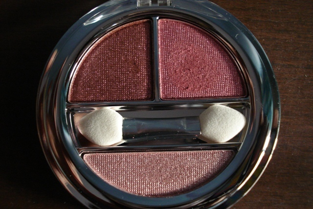 colorbar enchanting eyeshadow trio innocently pink (2)