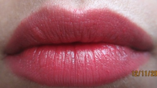 maybelline colorsensational are you red-dy lipstick (2)