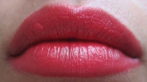 maybelline colorsensational are you red-dy lipstick (3)