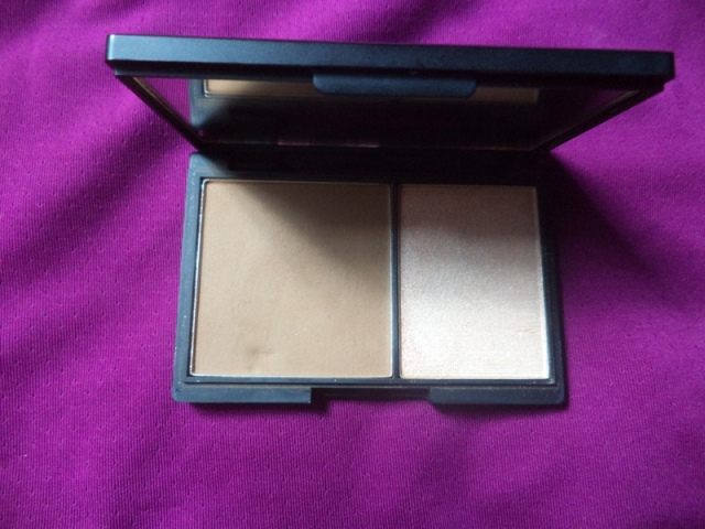 sleek face contour kit light1