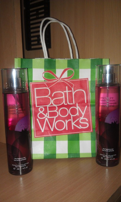 Bath and Body Works Midnight Pomegranate Body Mist Review