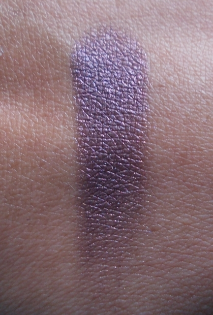 Colorbar eye shadow proudly purple swatch
