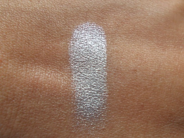 Colorbar eye shadow silver ring swatches