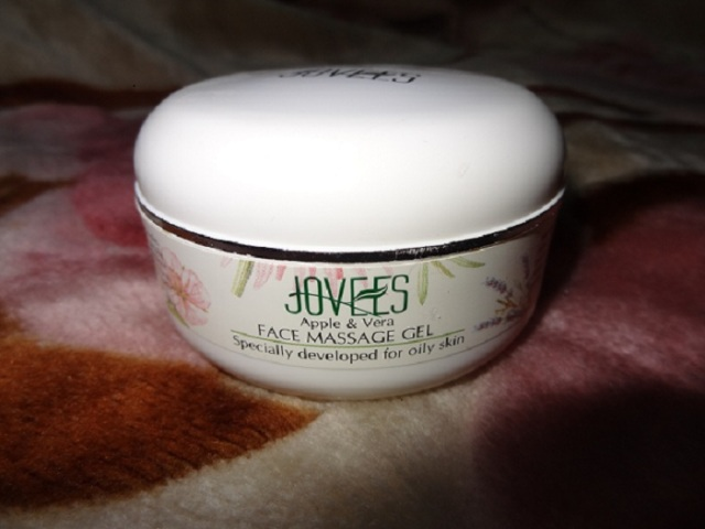 Jovees Apple and Vera Face Massage Gel