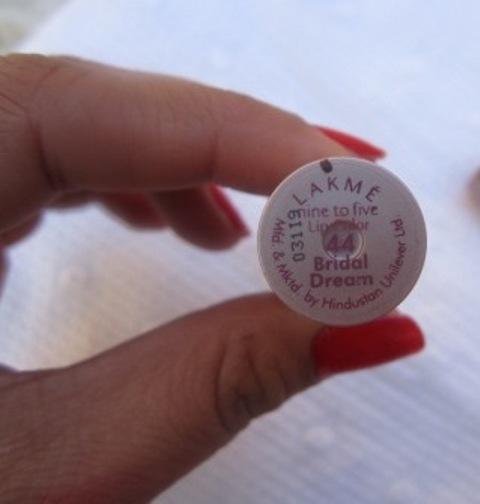 Lakme 9 to 5 Lipstick Bridal Dream (1)