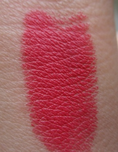 Revlon super lustrous love that pink  swatch