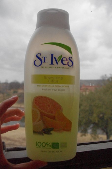 St.+Ives+Energizing+Citrus+Moisturizing+Body+Wash+Review