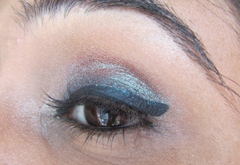 Step7 Duo Chrome Smokey Eyes