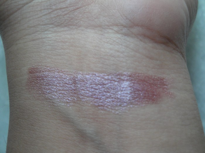 Streetwear Satin Smooth Lip Color Mauve Mania Swatch