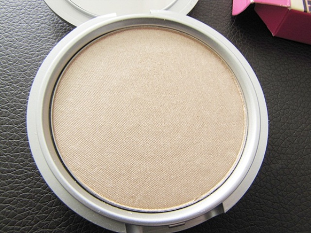 The Balm Mary Lou Manizer6 The Balm Mary Lou Manizer Review