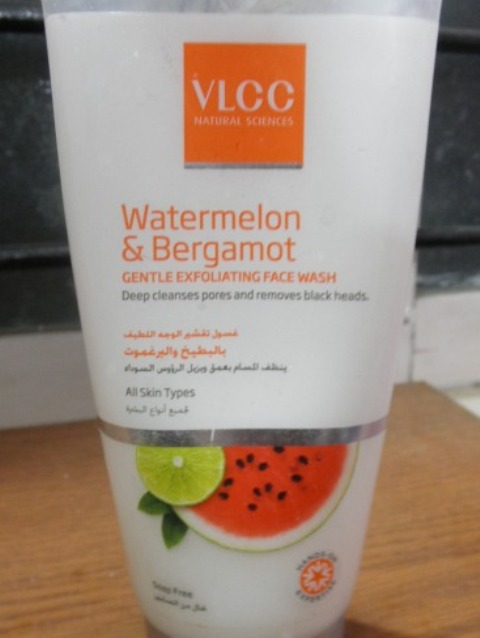VLCC Watermelon bergamot Gentle exfoliating Facewash. 2