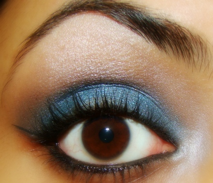 Winter+Blues+Eye+Makeup+Tutorial