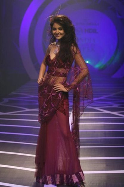 anushka sharma hot in saree 4 1 Anushka Sharma in Saree