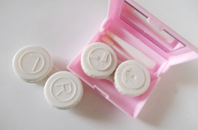 contact lens pink case