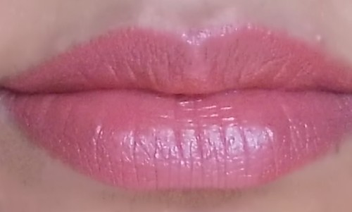 pink nude lips