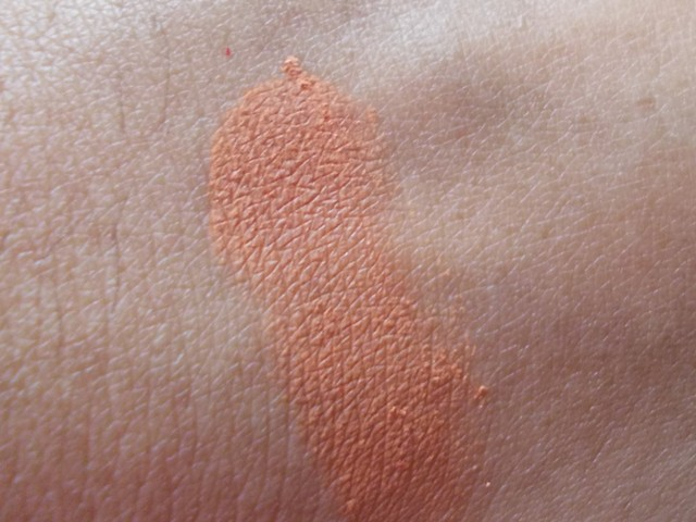 Coloressence Vibgyor Matte Eyeshades EM-2 Swatch