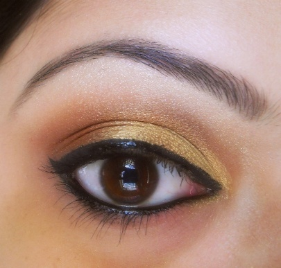 Eye+Makeup+For+Ethnic+Wear+With+Golden+Theme