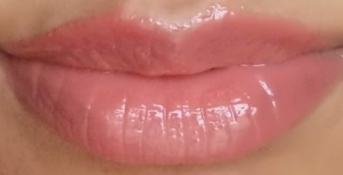 Loreal Color Riche Le Glosss really Rose alone on lips