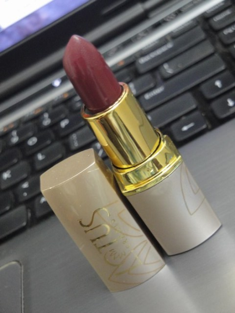 Lotus herbals pure colors lipstick Rose Madder (5)