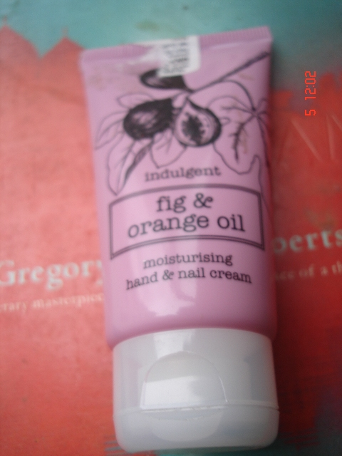 Marks & Spencer Fig & Orange Oil Nourishing hand &nail cream (2)