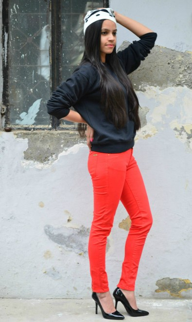 Outfit+of+the+Day+Hot+Red+Pants+and+Black+Heels