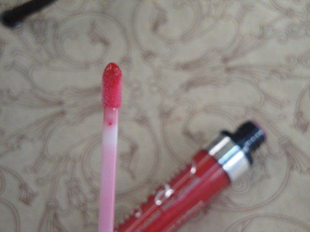 Rimmel Vinyl Lip Gloss be dazzled (3)