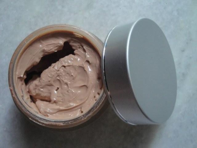 VLCC Enbrighten Tinted Sunscreen Souffle (6)