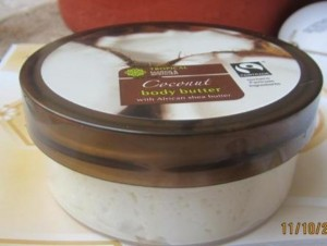 marks& spencer coconut body butter (2)