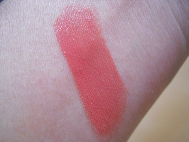 Elle 18 Color Pops Lipstick - Pretty Peach Swatch