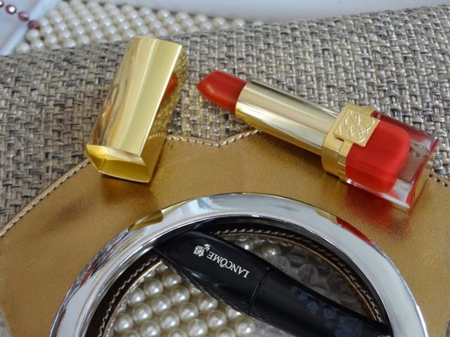 Estee Lauder Pure Color Long Lasting Lipstick - Scarlet Siren  (3)