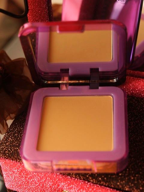 Maybelline Clear Smooth BB Silk Cake Powder in Nude Beige 4
