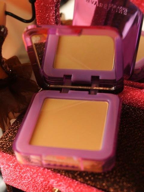 Maybelline Clear Smooth BB Silk Cake Powder in Nude Beige 3