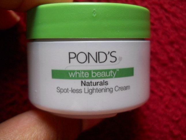 Pond's+White+Beauty+Naturals+Spotless+Lightening+Cream+Review