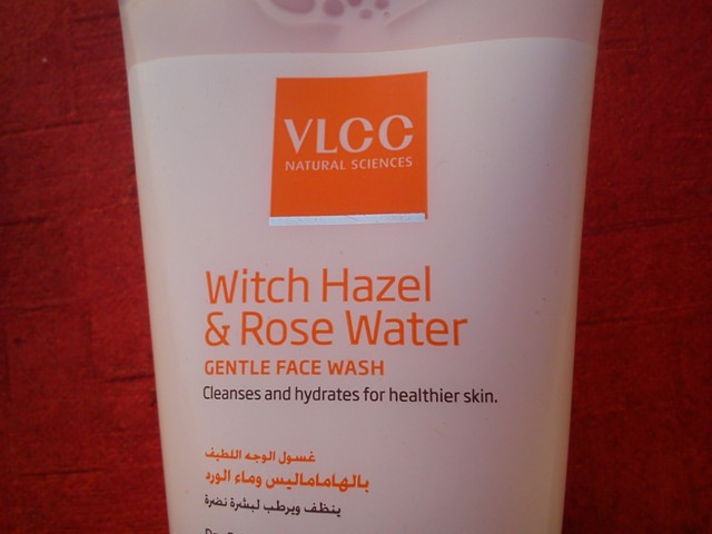 VLCC Witch Hazel & Rose Water Gentle Face Wash (4)