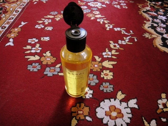 khadi-honey-vanilla-herbal-shampoo-2
