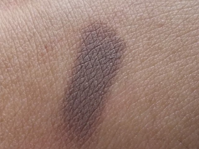 MAC Paintpot Quite Natural swatch