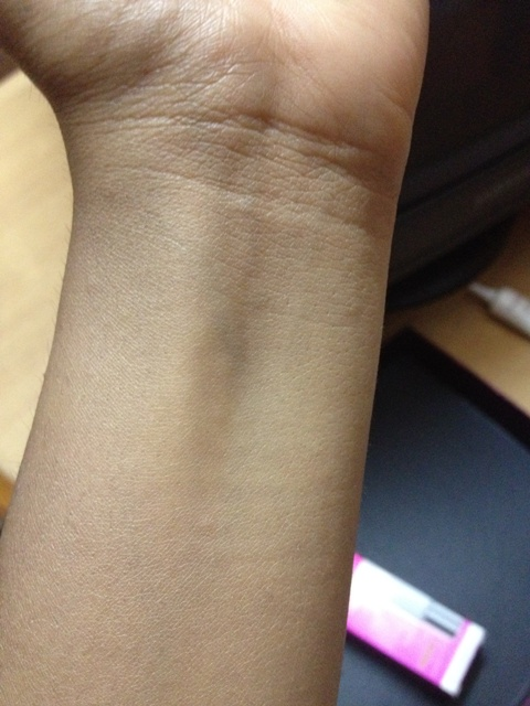 Pond's White Beauty BB+ Fairness Cream swatch (5)