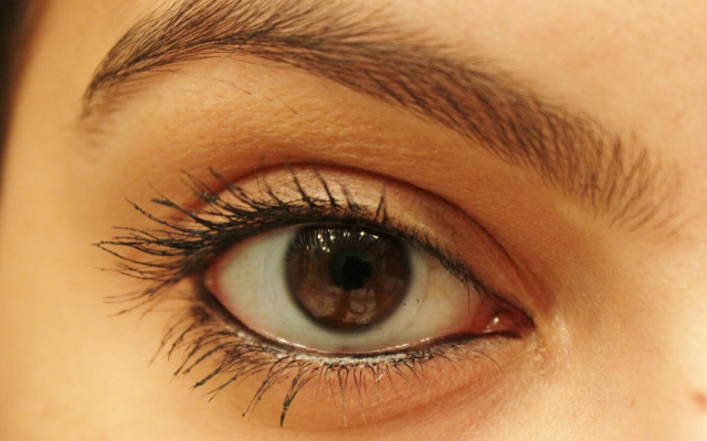 Lakme-Absolute-Dramatic-Eye