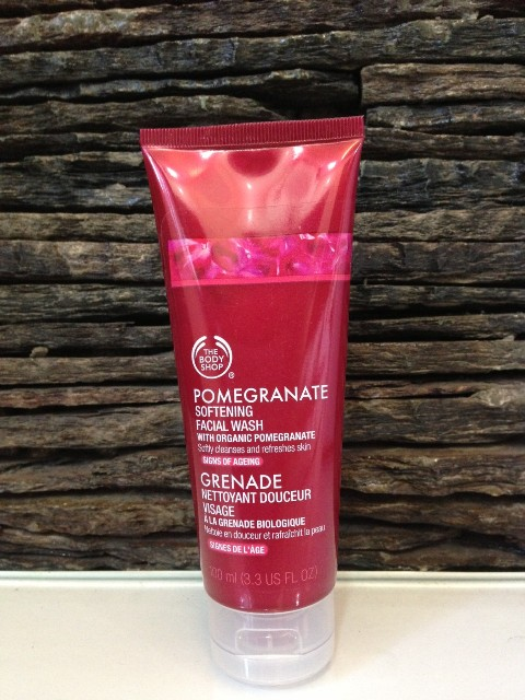 The Body Shop Pomegranate Softening Facial Wash