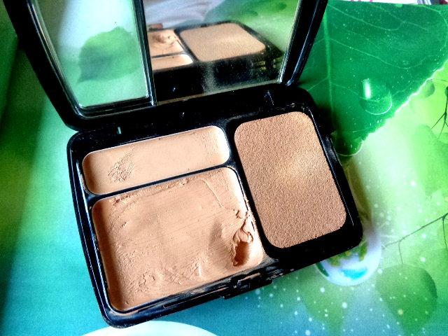 Compact Makeup  2