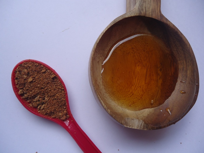 Honey and Cinnamon Face Pack 4