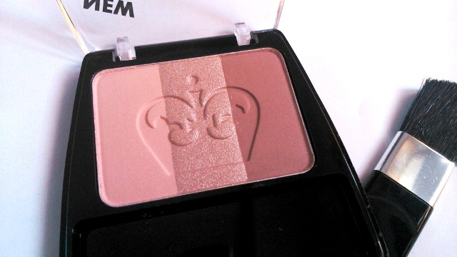 Rimmel London 3 in 1 Powder Blush - Summer Fever (5)