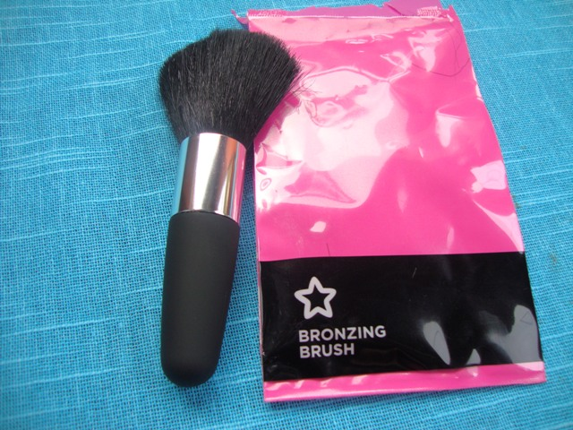 Superdrug Bronzing Brush  (4)