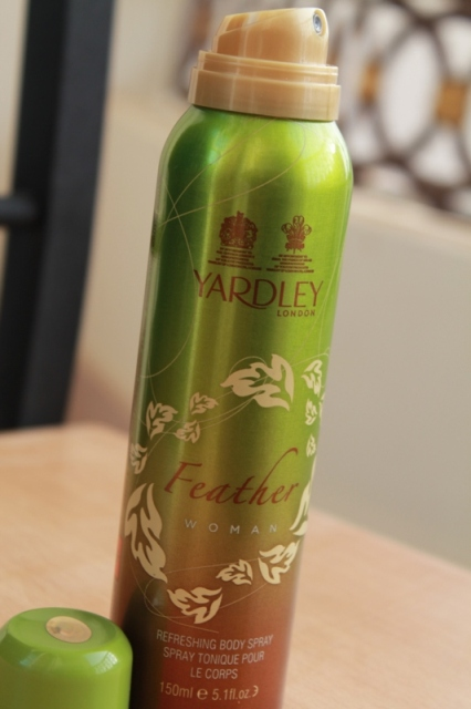 Yardley London Feather Woman Refreshing Body Spray (5)