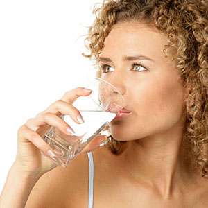 woman-water-drinking-m