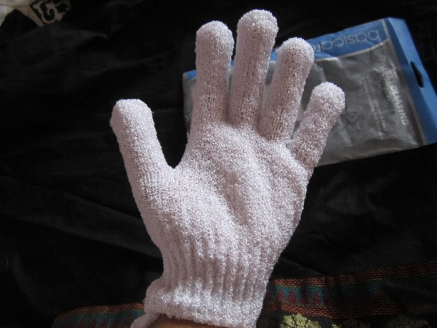 Basicare Exfoliating Body Gloves 8