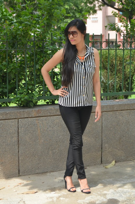 Black and White Striped Shirt and Jeggings 3