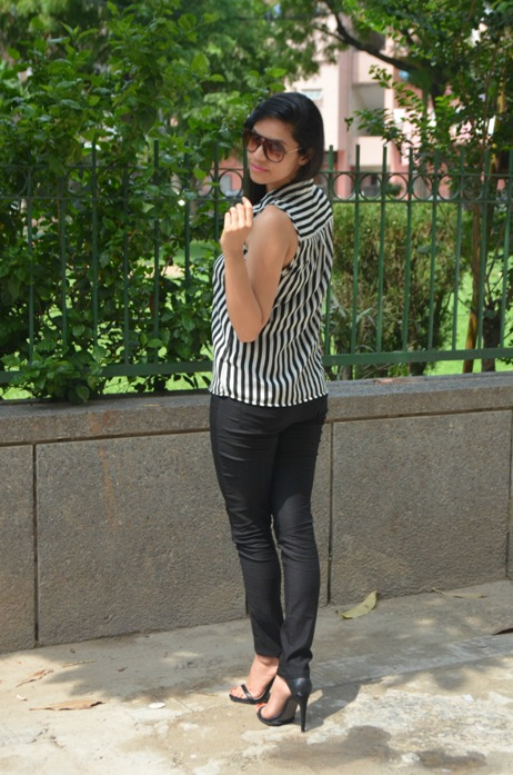 Black and White Striped Shirt and Jeggings 5