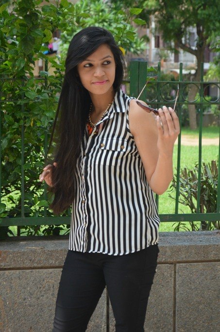 Black and White Striped Shirt and Jeggings 6