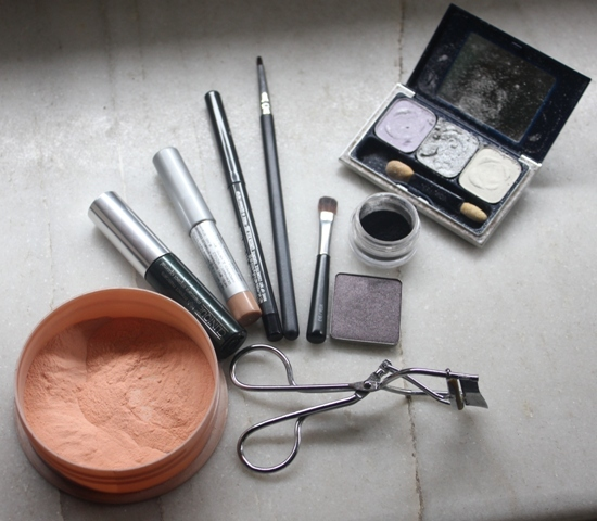 Metallics Silver & Purple Grey Smokey Eye Makeup Tutorial (1)